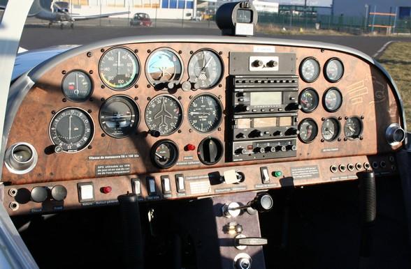 Tableau de bord d'un avion léger