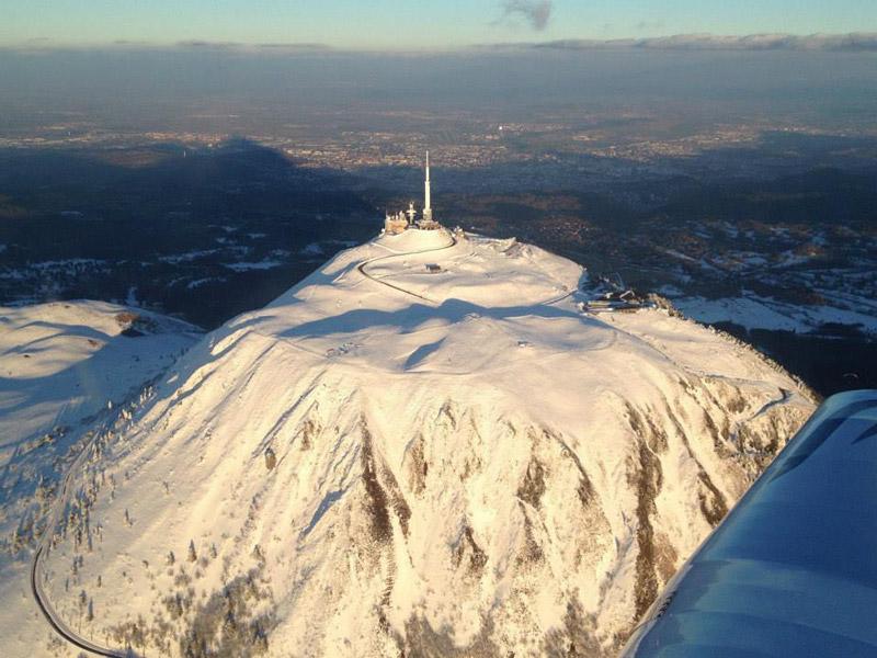 Le Puy de Dôme sous la neige